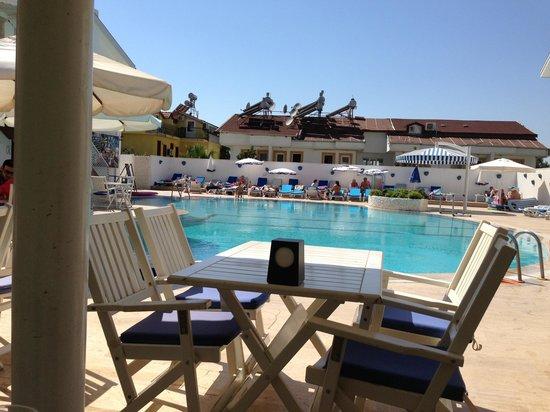 Monta Verde Hotel & Villas: Pool area