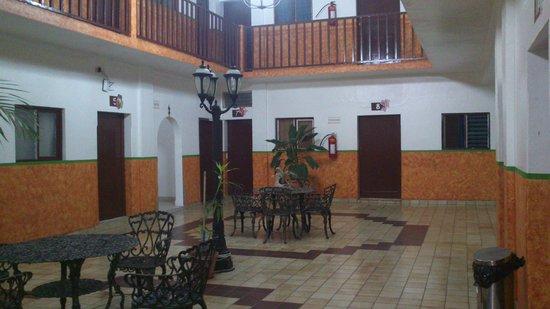 hotel cervantino: Hall