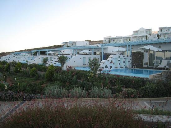 Atrium Prestige Thalasso Spa Resort and Villas : Номера подороже с личным бассейном (мелкий)