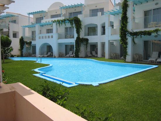 Atrium Prestige Thalasso Spa Resort and Villas : Стандартные номера с общим бассейном