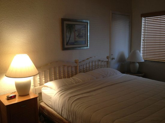 Coral Key Inn: Master bedroom