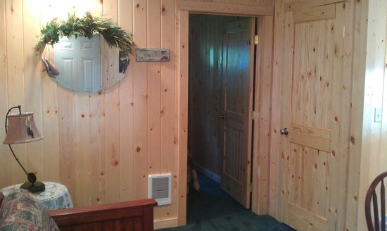 Evergreen Motel: door way to back bedroom in cabin 4