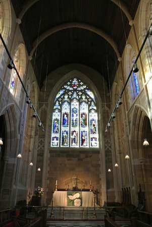St. David's Cathedral: Oh so beautiful stained glass