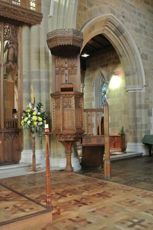St. David's Cathedral: Wooden Pulpit