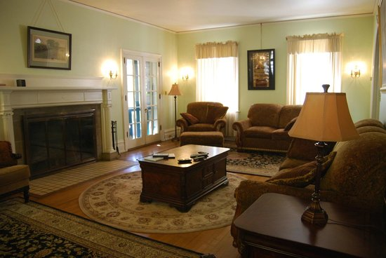 Stony Point Bed & Breakfast: Sitting room