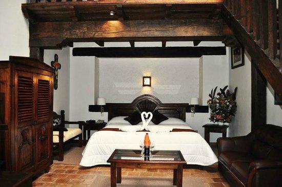 Plaza Magnolias Hotel : Suite