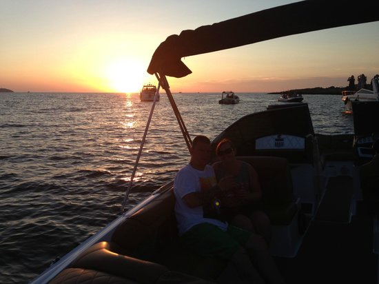 Mamboats Charters Ibiza: The best way to see the sunset!