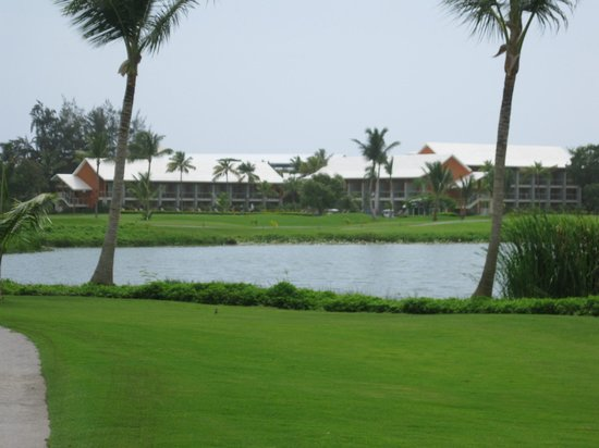 Barcelo Lakes Golf Course : resort in distance from hole 18