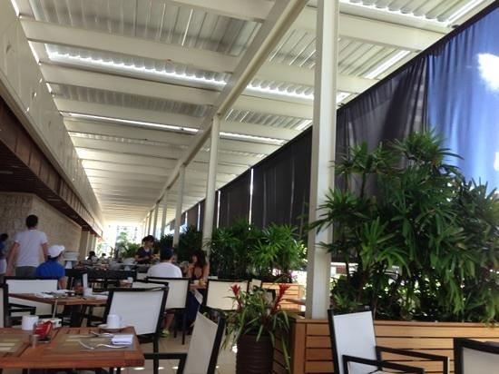 Trump International Hotel Waikiki In Yo Cafe Dining Area