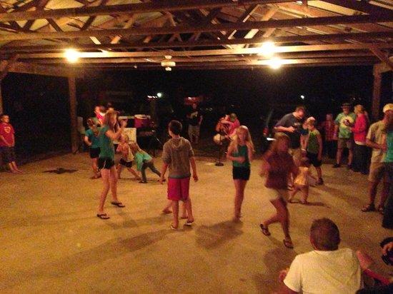 Riversedge Campground : Free concert Saturday evening- Banjo man