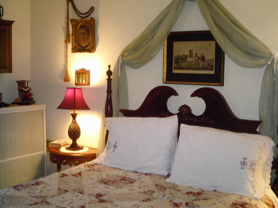 The Barker House Bed and Breakfast : Squire Room