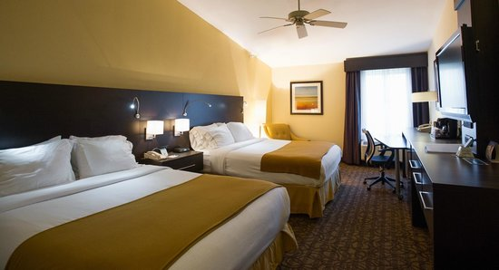 Holiday Inn Express Hotel & Suites Topeka West I70 & Wanamaker: Double-Bedded Room