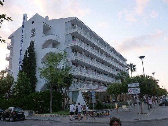 Hotel JS Sol de Alcudia: Front of hotel