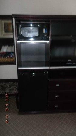 Comfort Inn & Suites Calgary Airport: microwave/fridge