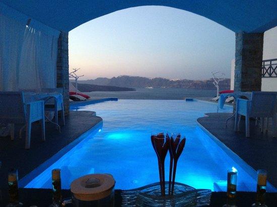 Mesa Reservada Para La Cena Picture Of Astarte Suites