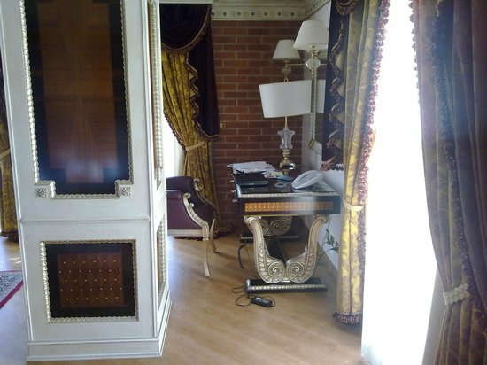 Xheko Imperial Hotel : suite