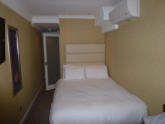 Park Grand London Hyde Park: Room 505