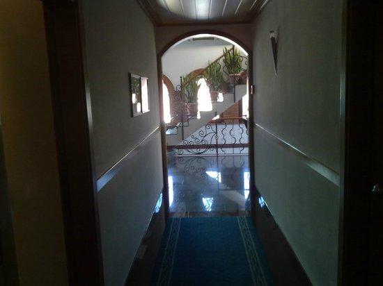 Xheko Imperial Hotel : corridor