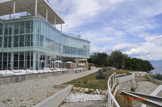 Hotel The View: Teren basenu