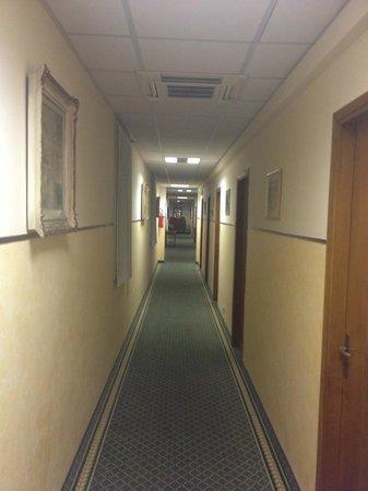 Hotel Helvetia: The corridor