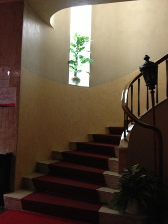 Hotel Helvetia: The staircase in the lobby
