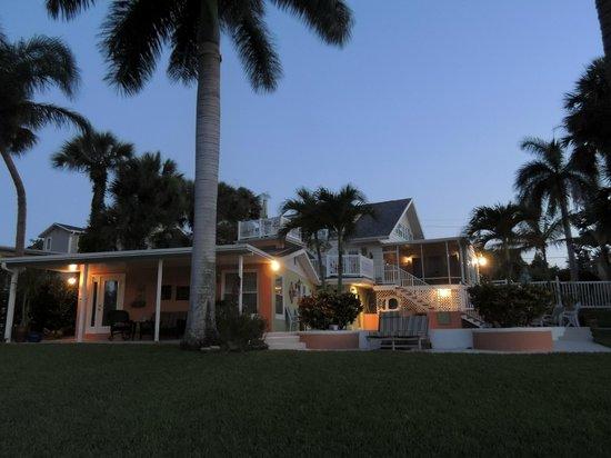 Crane Creek Inn Waterfront Bed and Breakfast: Just before sunrise