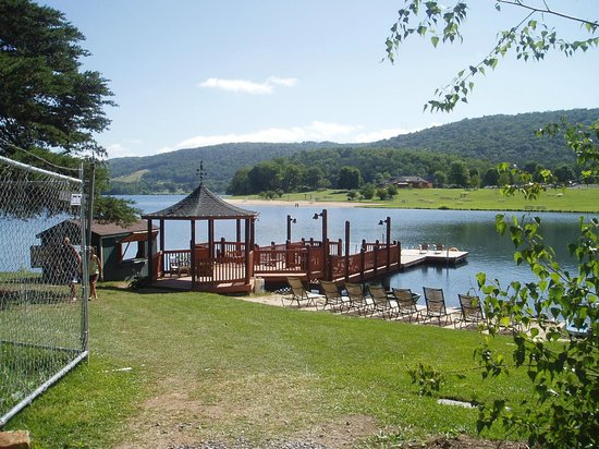 Rocky Gap Resort Al Canoes And Peddle Boats