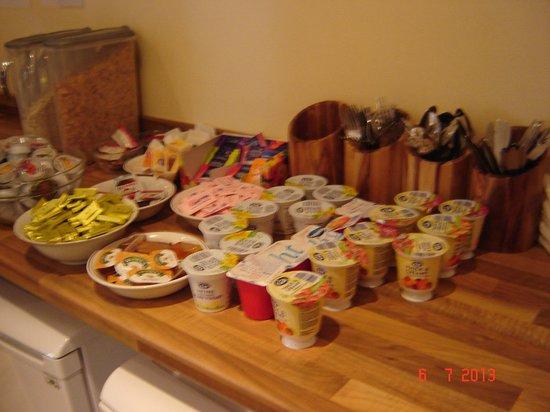 Gower Hotel: Breakfast buffet.