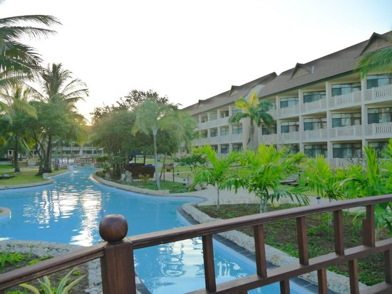 Amani Tiwi Beach Resort: гостиница не очень большая но осень приличная