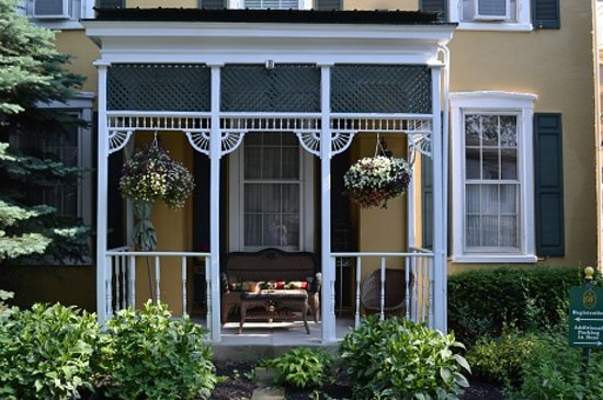EJ Bowman House Bed and Breakfast: A peaceful place to sit and rest awhile