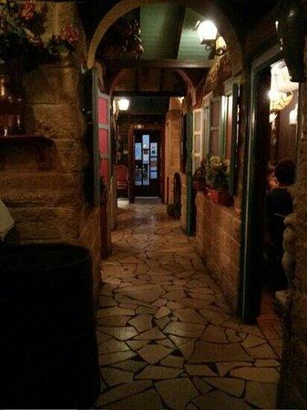 La Grand' Pizzeria : pequeños comedores a la entrada