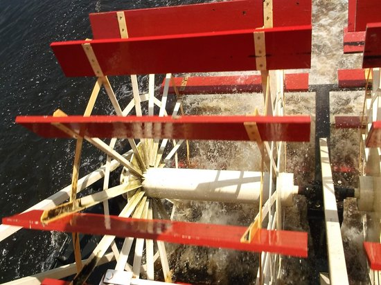 Taylors Falls Scenic Boat Tours: paddle wheel