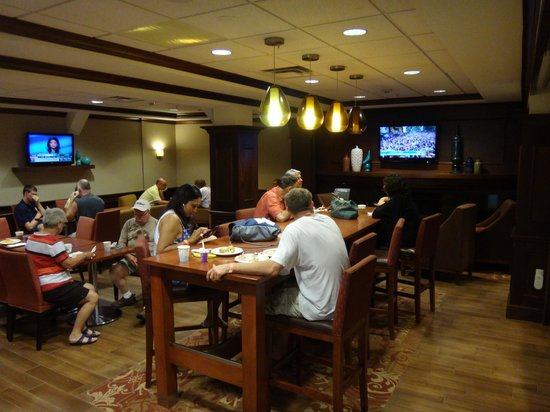 Hampton Inn Long Island - Brookhaven: Breakfast room