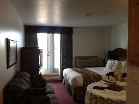 Executive House Suites Hotel & Conference Centre Photo