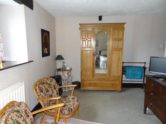 blick in ein zimmer - picture of the round house, barnstaple ... - Ein Zimmer