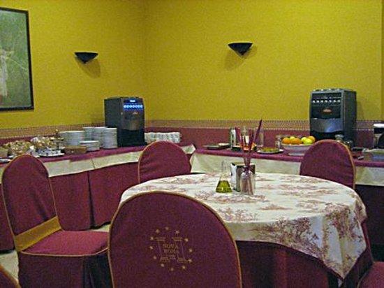 Nova Roma: Sala de desayunos.
