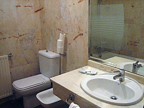 Baños Romanos Badajoz:Entrada habitación: fotografía de Nova Roma, Mérida – TripAdvisor