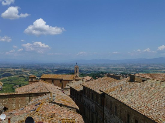 Montelpuciano countryside from terrace - Picture of Terrazza Del ...