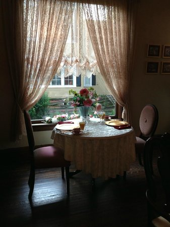 Blessings on State Bed & Breakfast: Our table for our Monday morning breakfast
