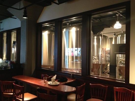 Rock Bottom Restaurant & Brewery : Onsite brewing