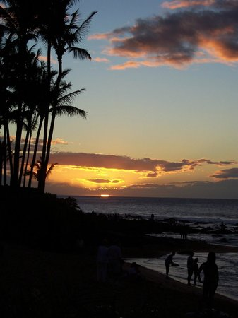 The Napili Bay: Sunset from lanai