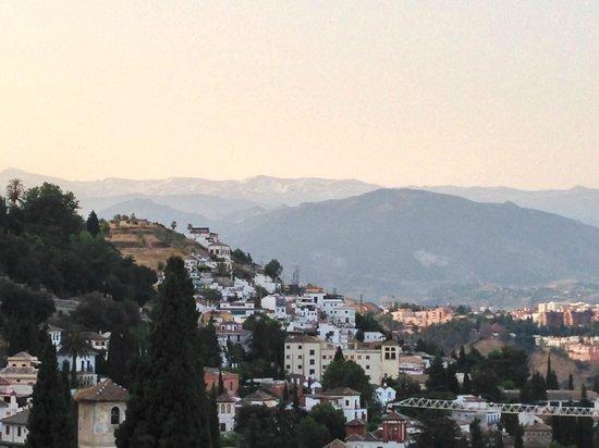 Carmen de la Alcubilla del Caracol: View towards the Sierra Nevadas