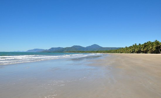 Port Douglas Plantation Resort: For Mile Beach