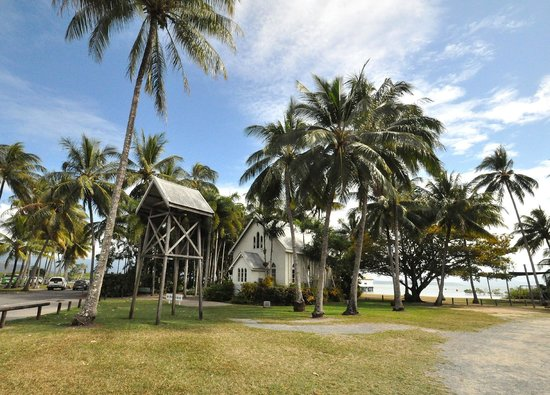 Port Douglas Plantation Resort: St Mary's by the sea church, Port Douglas