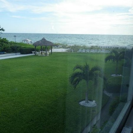 Blue Water Beach Club: The view from our room