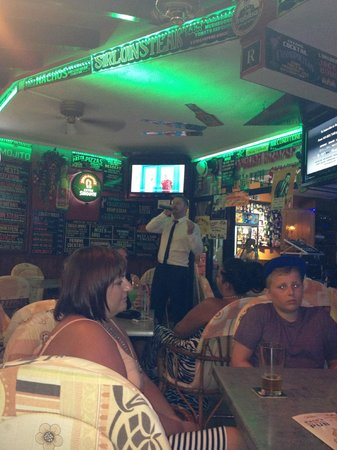 Paco's Bar Funny Bunny's: Buble Live