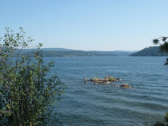 The Coeur d'Alene Resort: tubs hill point