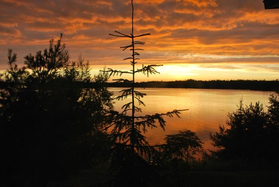 Custom Cabin Rentals: Sunset over Moose Lake