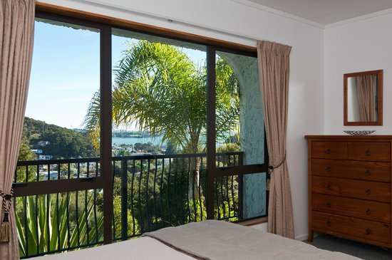 Allure Lodge Paihia : Apartment Master Bedroom 1