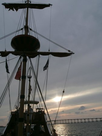 Black Dragon Cruises: Aye aye Captain....arrrghh!!!